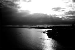 000597 (la_imagen) Tags: bodensee laimagen lakeconstanze lagodiconstanza lagodeconstanza friedrichshafen sw bw blackandwhite siyahbeyaz monochrome sky evening sun