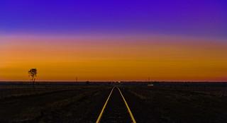 Lat -23.543787, Long 145.157247: 589kms west, dawn