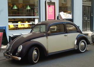 Oval window rat VW Bug A9245 still on the roads of Copenhagen