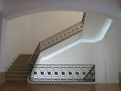 Musée Cantini, Marseille (13) (Yvette G.) Tags: marseille bouchesdurhône 13 provencealpescôtedazur paca musée muséecantini escalier ferronerie