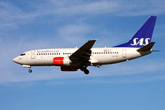 SAS LN-TUF, OSL ENGM Gardermoen (Inger Bjørndal Foss) Tags: lntuf sas scandinavian boeing 737 osl engm gardermoen