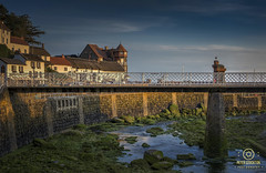 just another one from lynmout, early morning at sun rise (kapper22) Tags: lynmouth early morning sunrise blue yellow green seaweed sea coast thatch pub houses bridge
