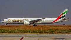 Emirates Boeing B777-330ER A6-EPS Bangalore (BLR/VOBL) (Aiel) Tags: emirates boeing b777 b777300er a6eps bangalore bengaluru canon60d