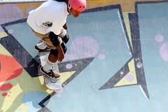 Z Skate (ZUHMHA) Tags: marseille france urban urbain line lignes courbes curve summer été sun soleil lumière light shadow ombre ombreetlumière skatepark skateparc bowl sport fun skate people gens humain human personnes sportif jeunesse sportextrême sportdeglisse glisse graf tag scènedevie