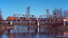 One picture, two Willamettes (C.P. Kirkie) Tags: willamettepacific willamettevalley willametteriver wprr gp392 emd sd452 locomotive trains railroads freighttrain southernpacific southernpacificoregondivision sp drawbridge