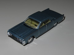 Greenlight 1:64 - 1965 Lincoln Continental (RS 1990) Tags: greenlight 164 car model scale toy 1965 lincoln ford continental august 2018 sedan