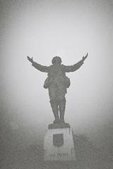 Twilight Remembrance (bigalid) Tags: film 35mm olympus trip 500 kodak bw400cn 2018 plastic bw c41 january dumfries war memorial
