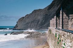 Itzurun (jdelrivero) Tags: agua mar geologia costa rocas guipuzkoa olas zumaia elementos playa geology beach elements sea zumaya euskadi españa es