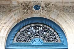4 Place Rohan (just.Luc) Tags: blue blau blauw azul bleu 4 four vier quatre france frankrijk frankreich francia frança building gebouw gebäude bâtiment architectuur architecture architektur arquitectura chiffre cijfer number digit bordeaux gironde nouvelleaquitaine europa europe 4frame