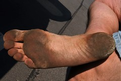 dirty city feet 568 (dirtyfeet6811) Tags: feet foot sole barefoot dirtyfeet dirtysole cityfeet
