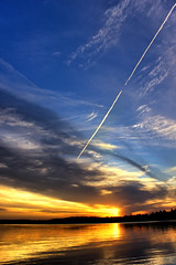 Broken Arrow (Bob's Digital Eye) Tags: bobsdigitaleye canon canonefs1855mmf3556isll clouds contrails dusk flicker flickr july2018 laquintaessenza lake lakesunsets lakescape silhouette sky skyscape sun sunset sunsetsoverwater t3i water