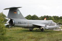 Deutsche Marine: Marinejagdbomber Lockheed F-104 G Starfighter 22+98 des Marinefliegergeschwaders 2 in im Aeronauticum in Nordholz (Helgoland01) Tags: starfighter marineflieger marine navy deutschland germany niedersachsen nordholz bundeswehr
