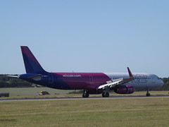 G-WUKG Airbus A321-231(WL) Wizz Air UK Ltd (Aircaft @ Gloucestershire Airport By James) Tags: luton airport gwukg airbus a321231wl wizz air uk ltd eggw james lloyds