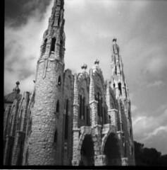 Novelda (Honey Bfly) Tags: dianamini novelda alicante santuario shrine bn blancoynegro blackwhite lomography lomo lomografia analogico analogue film 35mm
