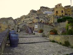Sassi #14 (FIORE Luigi) Tags: sassi matera basilicata lucania italia case carro botte finestre scale