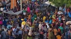 Marché du lundi (Luc Marc) Tags: afrique mali ségou marché lundi foule couleur