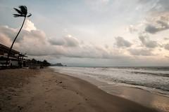 20180409 Khanom sunrise 13 (chromewaves) Tags: fujifilm xt20 samyang 12mm f20 ncs cs khanom thailand beach
