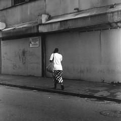 Walking In French Quarter (bongo najja) Tags: quarter french orleans new 400 iso tmax kodak evs mx 35 rolleiflex