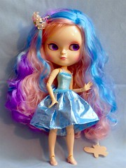 Irresistible (M.P.N.texan) Tags: doll blythe icy vinyl jointed toy colorful