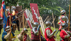 Flash in the pan - The siege of Prudhoe Castle - DSC_9457 (Kevan Brassington) Tags: prudhoe england unitedkingdom gb leadhistoricalreenactmentsociety prudhoecastle medieval knight montagu battle armour chainmail yorkists lancastrians waroftheroses roses sword