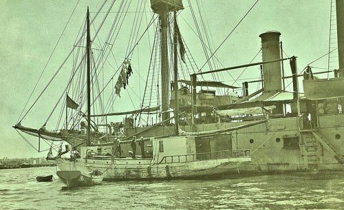 Vicksburg with captured German Raider Alexander Agassiz, San Diego Harbor Mar.29, 1918 NARA111-SC-007237-ac
