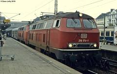 DB 218174+218104 (Hoover 29) Tags: diesel db deutschebahn class218 218104 218174 passengertrain e3554 hamburgaltona hamburg westgermany