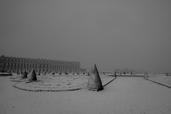 Versailles in the snow (Molly Widstrom Photography) Tags: versailles paris france marie antoinette photographer photography landscape minneapolisphotographer mollywidstromphotography coldweather february winter 2018 nikond750 gloomy dark