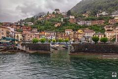 Lago Como (Jesus M Glez) Tags: lago como barco puerto escolleras