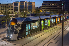 Luxtram by night (Tim Boric) Tags: luxtram luxemburg luxembourg tram tramway streetcar strassenbahn caf urbos