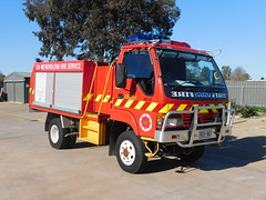 Berri 6014 (matchy281) Tags: sa mfs samfs south australian metropolitan fire service isuzu nps300 fleet 213 ber ber6014 6014 berri rosa 60