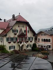 Mozartplatz St Gilgen-E7060110 (tony.rummery) Tags: austria em10 mft microfourthirds mozart omd olympus rain rathaus stgilgen village gemeindesanktgilgen salzburg at