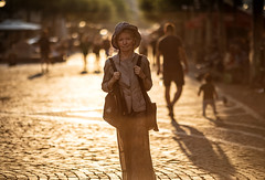 (graveur8x) Tags: woman candid street potrait sun summer streetphotography frankfurt germany deutschland fressgass urban people contrejour shadow shadows light contrast outdoor bright lady old hat hot europe canon canonef135mmf2lusm canoneos5dmarkiv 135mm ff