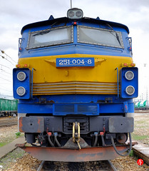 tren- (Tinico Jones) Tags: 251 2510048 renfe serie renfeserie251 mercancias mercancías lokomotivë trenmakina лакаматыў lokomotiva локомотив locomotora lokomotiv locomotief vedur veturi locomotive lokomotive κινητήριοσ mozdony locomotiva lokomotīve lokomotyvas lokomottivi lokomotywa locomotivă локомотива lokomotíva locomotif