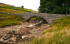 Well, it is a bed! (wontolla1 (Septuagenarian)) Tags: river wharfe wharfedale langstrothdale north yorkshire bridge packhorse grade 2 listed sheep bed arch dry yockenthwaite panasonic lumix g3 micro four thirds m43 panasonic14mmpancakeprime wednesdaywalk