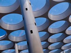 Roof Detail. Hoog Catherijne - Utrecht Centraal (natures-pencil) Tags: utrecht nederland netherlands utrechtcentraal hoogcatherijne roof architecture building style lovelycity art sky crane pillars redevelopment modern circles hexagonalpacking