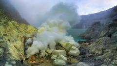 The heart of the volcano (3dgor 加農炮) Tags: ijen mountijen indonesia volcano sulphur sulphuricacid crater lake acidic drone phantom4pro panorama