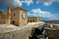 Nubes y algo mas (enrique1959 -) Tags: martesdenubes martes nubes nwn isla malta mediterraneo islademalta europa