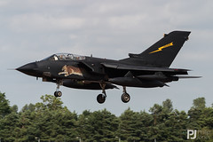 Italian Air Force Tornado IDS MM7005 (philrdjones) Tags: 2007 50500mm 60000 airtattoo canon d60 egva fairford flight hours ids jet july livery lynx mm7005 panavia raf riat royalinternationalairtattoo swap sigma southwestaviationphotographers swingwing tornado