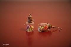 Mini fruits (Minne Yaël) Tags: france novembre november earrings fruit bouclesdoreilles colors couleurs canon80d
