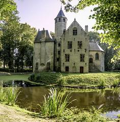 Château Beauvoord (musette thierry) Tags: château flandre veurne belgique belgium musette thierry d800 nikon castle composition architecture 28300mm beauvoorde