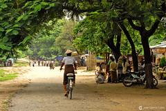 11-10-04 01 Myanmar (733) R01 (Nikobo3) Tags: asia myanmar birmania burma mandalay culturas color social people gentes portraits retratos travel viajes nikon nikond200 d200 nikon7020028vrii nikobo joségarcíacobo