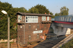 Kb3 interlocking tower , Kluczbork train station 03.08.2018 (szogun000) Tags: kluczbork poland polska railroad railway rail pkp station tracks building architecture brick old interlockingtower bridge overpass viaduct d29143 d29175 d29272 d29293 opolskie opole opolszczyzna canon canoneos550d canonefs18135mmf3556is