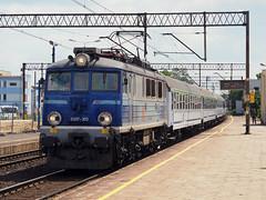 PKP EU07-303 (jvr440) Tags: trein train spoorwegen railroad railways pkp ic eu07 leszno