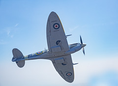 Breakout (Gary Stamp cPAGB) Tags: spitfire airtoair aircraft headcorn canon capel