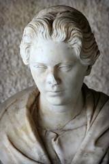 Buste d'une matrone romaine (olivier.ghettem) Tags: athens athènes greece grèce europe europedusud buste ancien ancienneagora femme tête antiquité antique antiquity