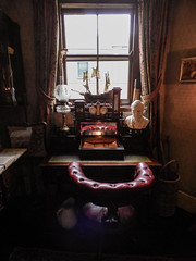 Crowded House (Steve Taylor (Photography)) Tags: art architecture display bust uk gb england greatbritain unitedkingdom london 221bbakerstreet sherlockholmesmuseum 221b bakerstreet sherlockholmes chair leather clock lamp ship thermometer basket jug