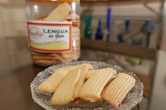lengua de gato (DOLCEVITALUX) Tags: lenguadegato catstongue cookies biscuit snack dessert food philippines lumixlx100 panasoniclumixlx100 panasoniccameras