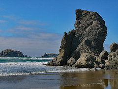 bn1070315rocksun (thom52) Tags: bandon or oregon coast coastline beach fog