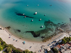 Strand in Afitos und anlegende Boote. Luftbild (marcoverch) Tags: afytos chalkidiki travel reiseblogger dji greek urlaub luftbildaufnahme luftaufnahme digitalnomad reisen aerial aerialphotography mavicair griechenland afitos decentralizedadministrationof decentralizedadministrationofmacedoniaandthrace gr strand anlegendeboote luftbild reise water wasser beach noperson keineperson sea meer ocean ozean seashore recreation erholung vacation ferien island insel summer sommer landscape landschaft leisure freizeit seascape seelandschaft resort erholungsort outdoors drausen people menschen swimming schwimmen sand sky himmel national lego deutschland decay olympus children castle brown painting leica