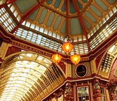 Leadenhall Market London (Roy Richard Llowarch) Tags: leadenhall leadenhallmarket leadenhallmarketlondon cityoflondon market markets victorian victorianarchitecture architecture london londonarchitecure londonengland londonmarkets roman ldn lovelondon buildings building england english englishheritage englishhistory shopping shops shop restaurants bars pubs harrypotter filmlocations beautiful beautifulplaces travel travelling daytrips daytripper citybreaks breaks city streets streetphotography britishhistory british britishheritage history historic historical historicbritain historicengland vacation vacations holidays holiday tourism royllowarch royrichardllowarch photographs photographer trips places indoor outdoor uk unitedkingdom greatbritain traveler